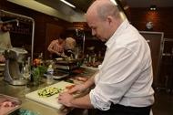 JIP Gastrostudio Praha krájení zeleniny pro grilování